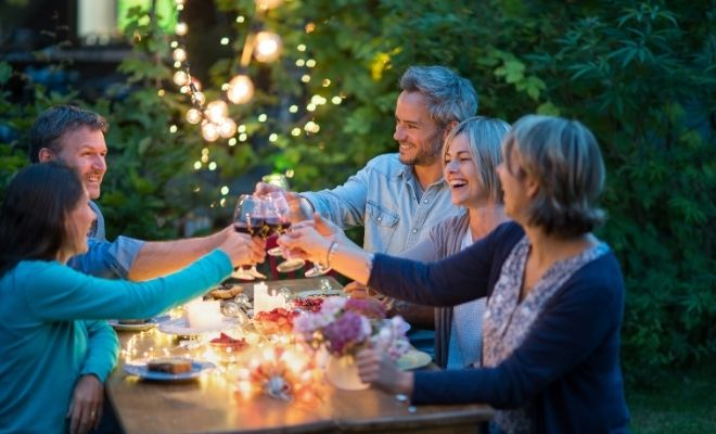 Helpful Tips for Outdoor Entertaining
